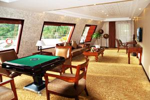 黄金5号游轮豪套会客厅