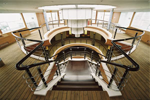 世纪天子楼梯