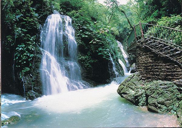 黑山谷、龙鳞石海—健走探秘二日游黑山谷—中国最美养生峡谷