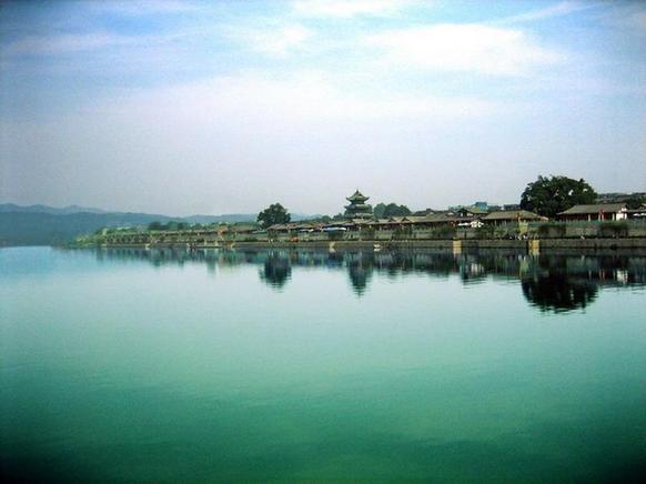 阆中古城、中国绸都南充丝绸博物馆、文峰古镇二日游一场文化之旅