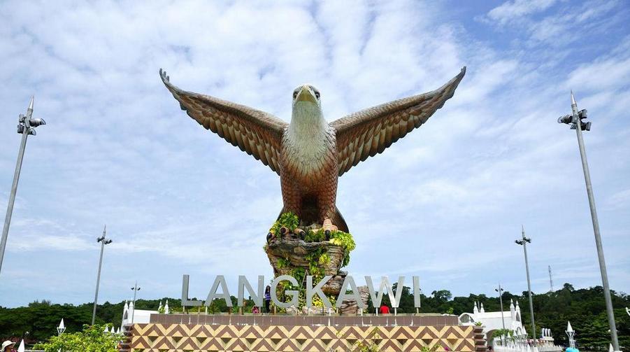 兰卡威槟城6日游白净的沙滩,纯净的海水,魅力的海湾