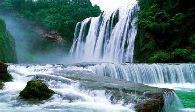 贵州黄果树瀑布、青岩古镇、湿地公园双卧四日游天然避暑胜地