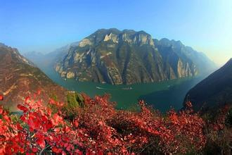 三峡神女水陆线单程二日游船游三峡秀丽风光