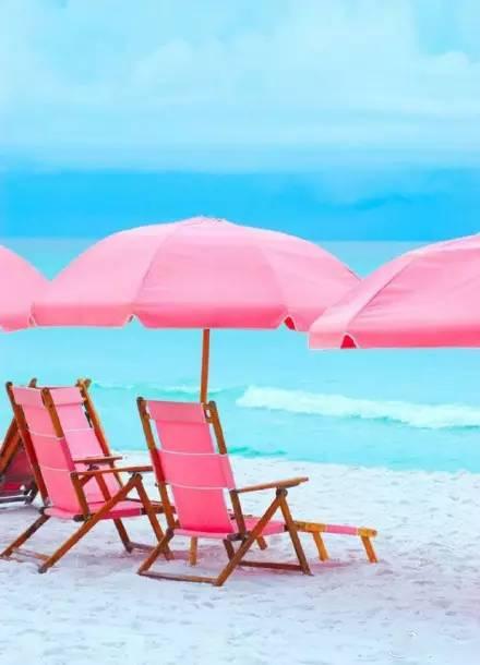 粉色沙滩躺椅