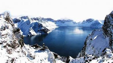 哈尔滨、镜泊湖、长白山、长春、沈阳双飞6日游精品东北