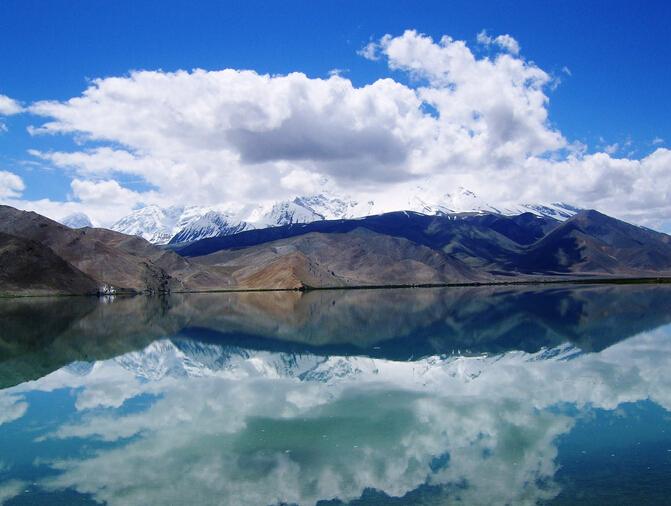 新疆喀纳斯、禾木、五彩滩、魔鬼城、那拉提大草原、 巴音布鲁克环线纯玩9日游纯玩不进店