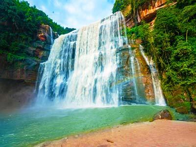 赤水大瀑布-佛光岩-四洞沟-燕子岩-中国侏罗纪公园-丙安古镇纯玩3日游全景深度 玩转赤水