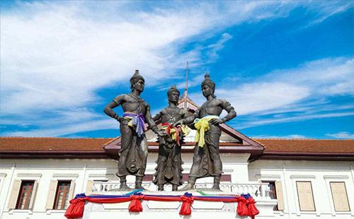 三王雕像4