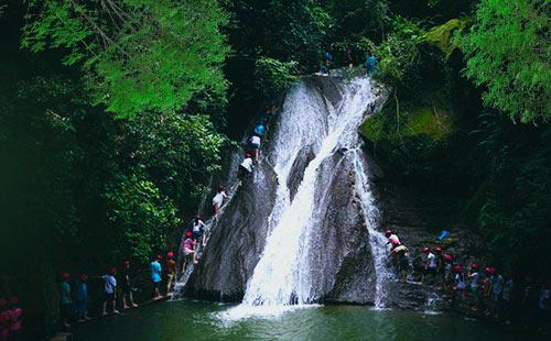 古东原始森林瀑布群2