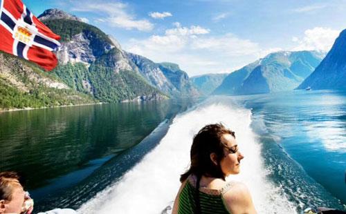 北欧4国+俄罗斯5国13天双峡湾+松恩峡湾游船[一价全含深度游]天籁四星-QR航空