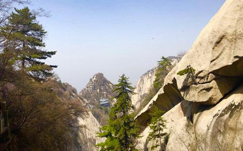 西安华山、兵马俑、明城墙、大雁塔广场双卧5日游西安旅游线路
