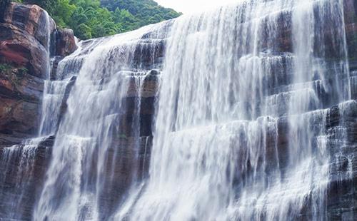 赤水红军烈士陵园、大瀑布、大同古镇二日游赤水红色旅游