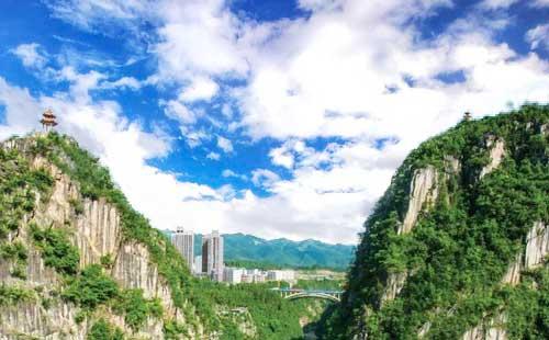 黔江第一城市大峡谷