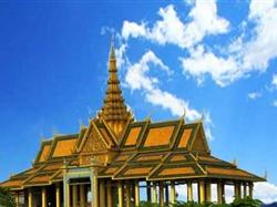 老挝琅勃拉邦+万荣+万象6天5晚深度休闲游<昆明转机>