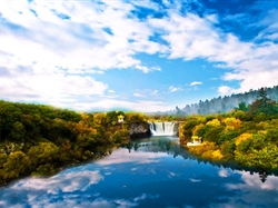 东北三省(长白山+镜泊湖+呼伦贝尔+额尔古纳+根河+大兴安岭+漠河)夕阳红15日游
