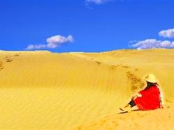 新疆乌鲁木齐-博斯腾湖-天山大峡谷-卡拉库里湖-塔克拉玛干沙漠双卧8-12日游