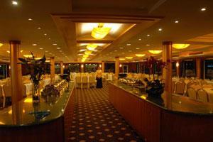 凯娜号游轮餐厅