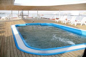 游泳池-1
