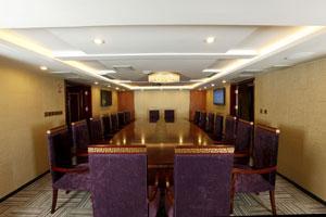 黄金6号游轮会议室