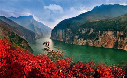 重庆长江三峡往返四日顺道游万州登船,船去动车回