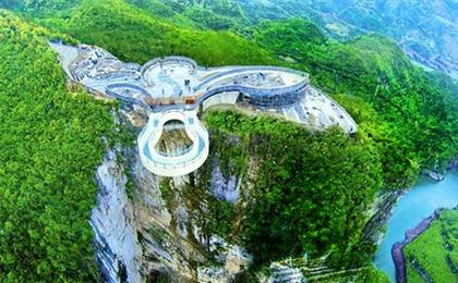 团队定制云阳龙缸、玻璃廊桥、万州大瀑布2日游可以按照您的要求,做出您满意的产品