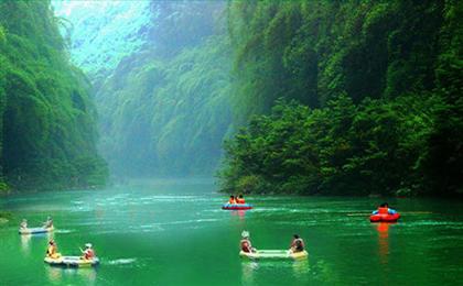 重庆南川神龙峡休闲1日游<重庆周边旅游>国家5A级景区,这里一瀑一景、幽谷翠峰,夏天亲子漂流一日游网红打卡地