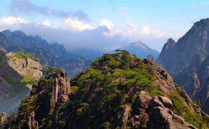 黄山、翡翠谷、宏村纯玩双飞4日游日出黄山