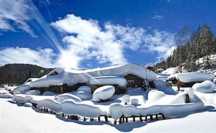 <梦幻东北 激情滑雪>黑龙江哈尔滨-亚布力-雪乡双飞五日游冰雪风火轮